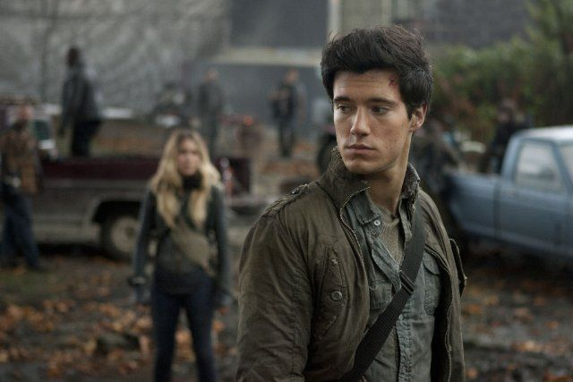 Drew Roy as Four from Divergent HOLY CRAP I WOULD DIE IF ...  Drew Roy as Fou...