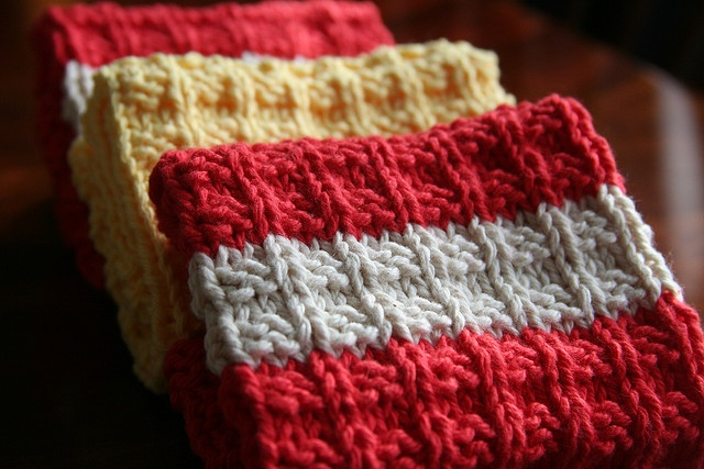 Waffle Knitting Pattern Dishcloth : Waffle Knit Dishcloth by Wool Winder, via Flickr Knitting - Dishclothes P...