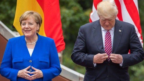 """Haben laut Sean Spicer eine """"ziemlich unglaubliche"""" Beziehung: Merkel und Trump beim G-7-Gipfel auf Sizilien"""