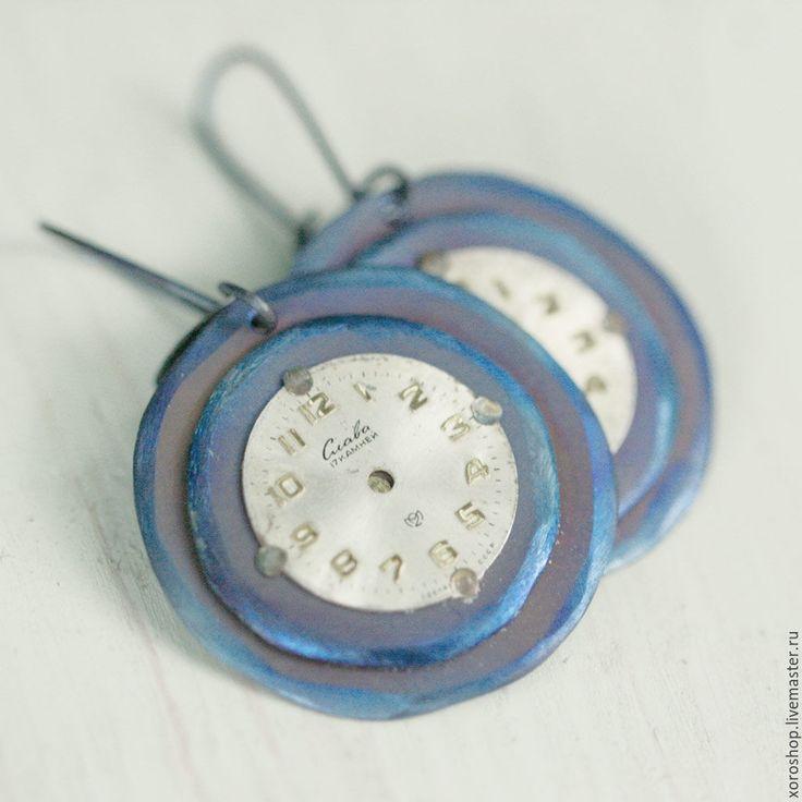 """Купить титановые серьги с винтажными циферблатами """"Слава"""" - синий, бохо, бохо-шик, потертый, винтаж"""