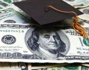 5 colleges or universities that offer scholarships for single parents