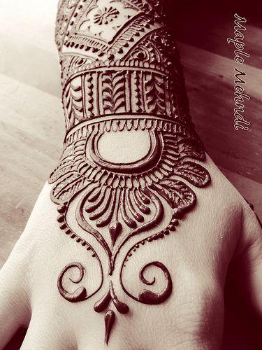 Indian bridal henna, mendhi designs for a Pakistani bride