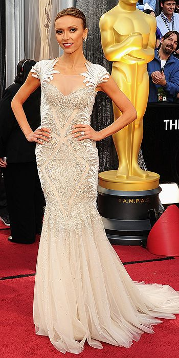 Giuliana Rancic in couture Tony Ward.: Giuliana Rancic, Couture Gowns, Basil Sodas, Red Carpets, Tonyward, Tony Ward, Academy Awards, The Dresses, Oscars Dresses