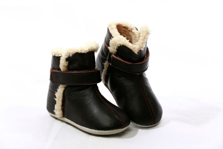 Skeanie   Snug in Chocolate   Baby Boots In buttery soft chocolate brown genuine leather, the Skeanie Infant Snug boots will keep your little ones feet warm in the cool weather.