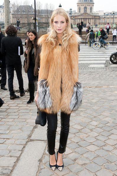 Poppy Delevigne Photo - Celebs at the Louis Vuitton Show in Paris