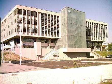 University library building, Université Claude Bernard Lyon 1. www.univ-lyon1.fr