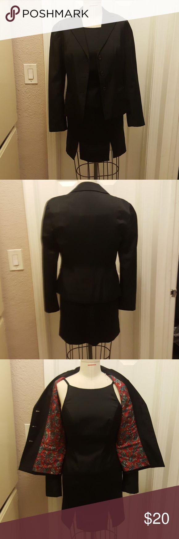 Darda Debonne Like new black dress and black coat with zipper on the back Darda Debonne Dresses Mini