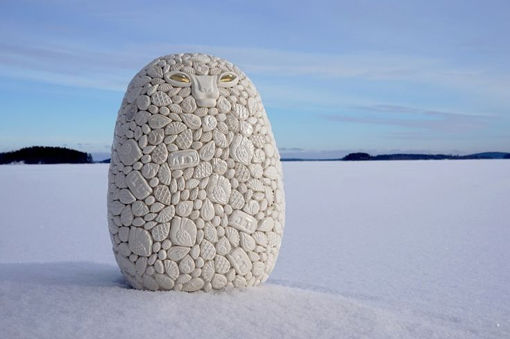 Frost (Winter Day), Ville Heimala, 2017. Ceramic sculpture covered with ceramic reliefs, height 35 cm.