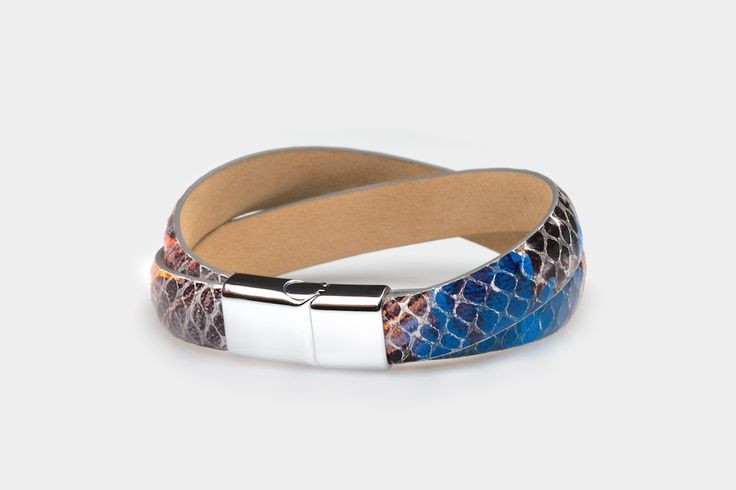 Leather bracelet - unique and very beautiful! If you want to have something unusual, you should have it! The leather looks like a snake skin. It will be perfect for every stylization, especially for clothes with blue elements.