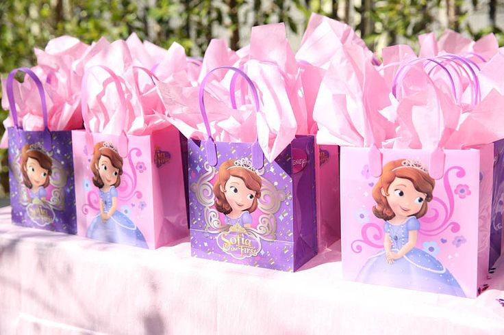 Favor Bags: The favor bags, like everything other detail of this event created by Fancy That Events, flowed with the theme exceptionally. Source: Melody Melikian Photography