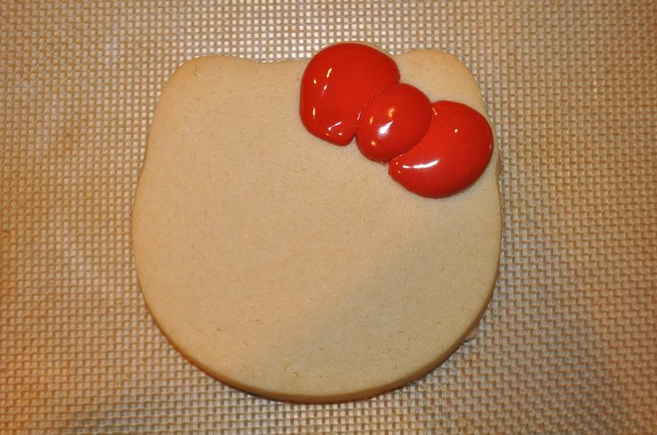 How to Make a Hello Kitty Cookie | Suz Daily