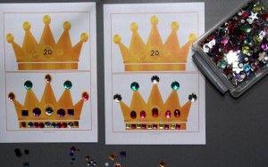 Kringactiviteit.  Kroonkaarten zijn er in drie versies; - Kronen van  0 t/m 20 met diamanten. - Kronen 0 t/m 20 zonder diamanten. - Kronen met diamanten zonder cijfer. Verder bevat het document cijfers van 0 t/m 20 en een vel met lege kronen.  Download het PDF-bestand.