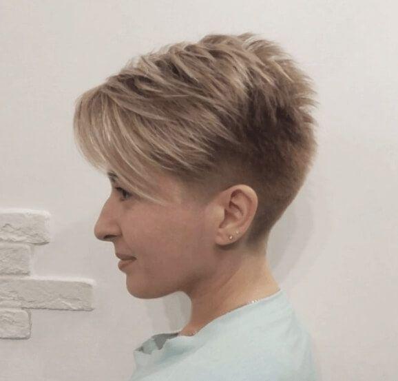 Stunning hairstyles for thin hair #thinhair #hairstyles #hair #haircuts