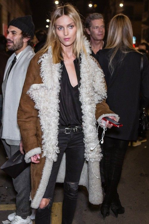 WOOOT Anja in the house!!! great shearling.  #offduty in Milan. #AnjaRubik