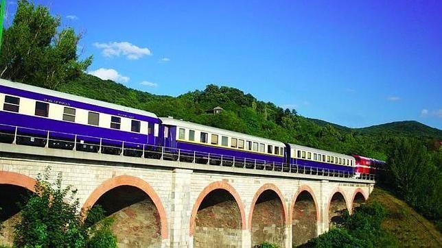 Si tienes un poco más de tiempo, considera estas rutas para hacer en tren. Enterate de ellas y reserva en http://cupon.com.co/rail-europe para aprovechar los descuentos.