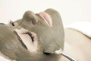 Agyagos-rozmaringos pattanástalanító maszk fekete nadálytővel