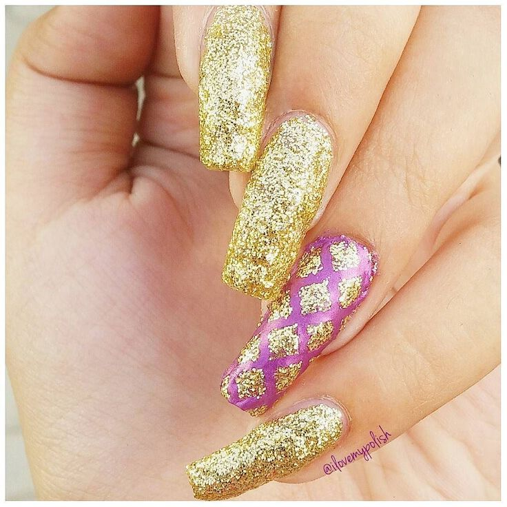 Yaayy! A new nail look  Bling Bling! A simple and lovely look created with a lovely nail polish..golden glitter confetti. Who's name will be a secret  From @el_corazon_shop  The other Purple is again from Elcorazon.  The amazing nail stickers are straight from USA.. @nailstickrs  I used the Moroccan Stencils. And they worked like magic for me  Head over to their page and order yours! TUTORIAL WILL BE UP SOON #nail #nailart #nails #art #artist #notd #nailsonfleek #instanails #nailstagram…