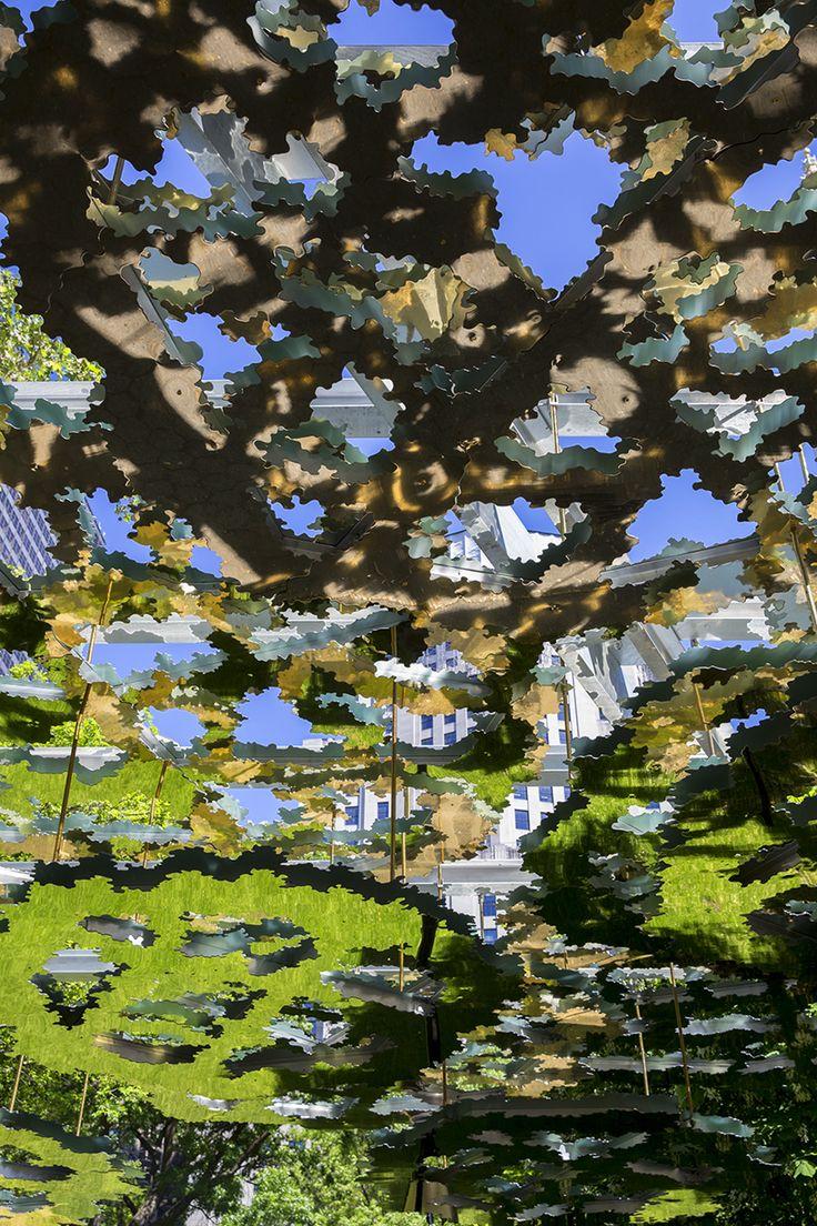 teresita-ferteresita fernández suspends a mirrored mirage above madison square parknandez-fata-morgana-madison-square-park-designboom-22