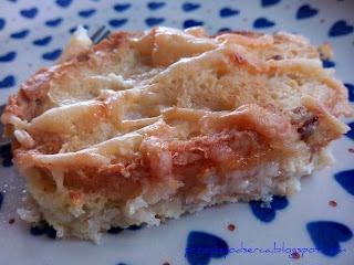 Zapiekanka chlebowo-serowa/ Bread savoury pudding