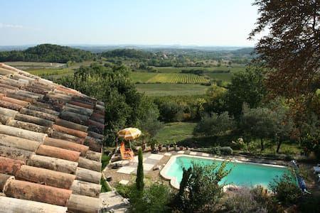 Vyhraj noc v Beautiful cottage in the Cevennes - Vily k pronájmu v Bagard na Airbnb!