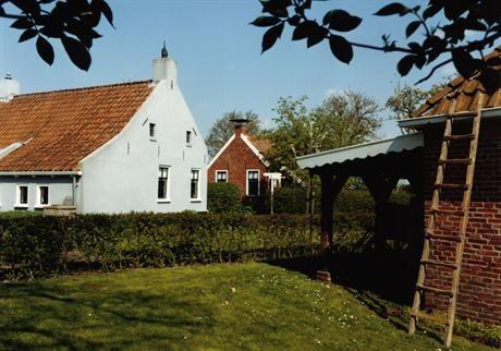 Warffum - Openluchtmuseum het Hoogeland in Warffum. In 20 tal woningen en andere gebouwen. Is er te zien hoe men 100 jaar geleden woonde en werkte op het Hoogeland.