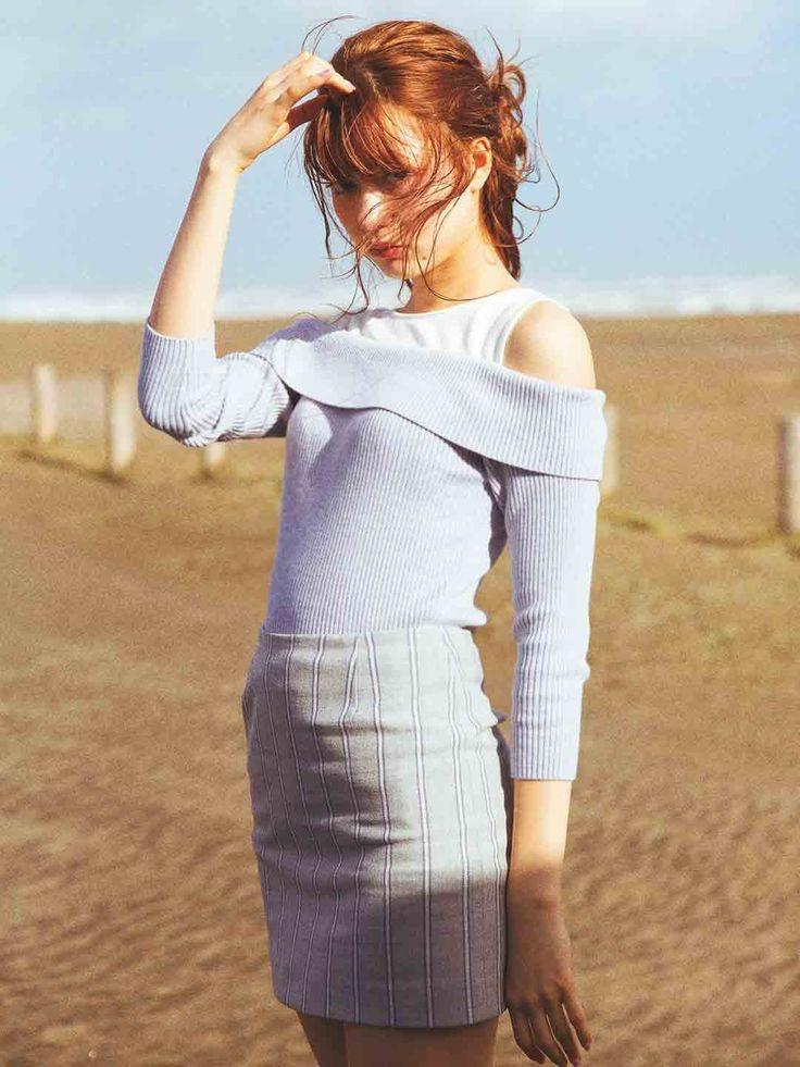八木アリサ×titty&Co.[ティティー&コー](2016年3月号p73) titty&Co. レイヤードニットTOPS ¥4,900(+税)