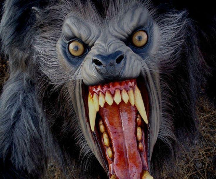 Хэллоуин, Оборотень Страшный Розыгрыш! -  Halloween, Werewolf Scary Prank!
