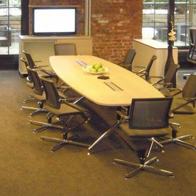 Новинка 2015 года! С конференц-столами FORUM от немецкой фабрики CEKA можно создать идеальные переговорные для 8-16 человек. Легкий и вневременный дизайн. Оригинальная и очень устойчивая Y-опора.  Широкий выбор размеров столов  для 8, 10, 12, 14, 16 человек.