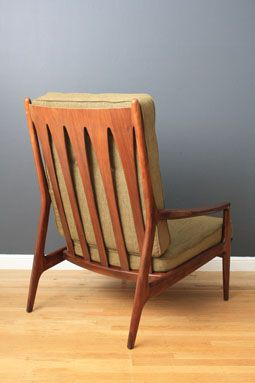 Midcentury Modern finds - love this chair!