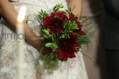 Bridal bouquet with red flowers - red is passion! #bridalbouquet #redpassion #weddingflowers