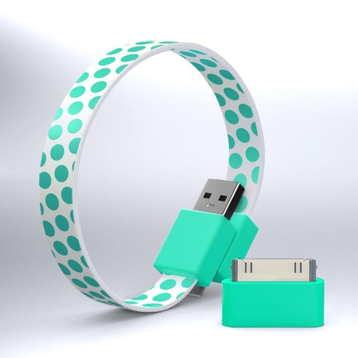 USB Cord / Mohzy LoopPolka Dots, Accessories Travel, Travel Bags, Usb Bracelets, Usb Cable, Mohzi Travel, Travel Accessories, Stuff Travel, Usb Cords
