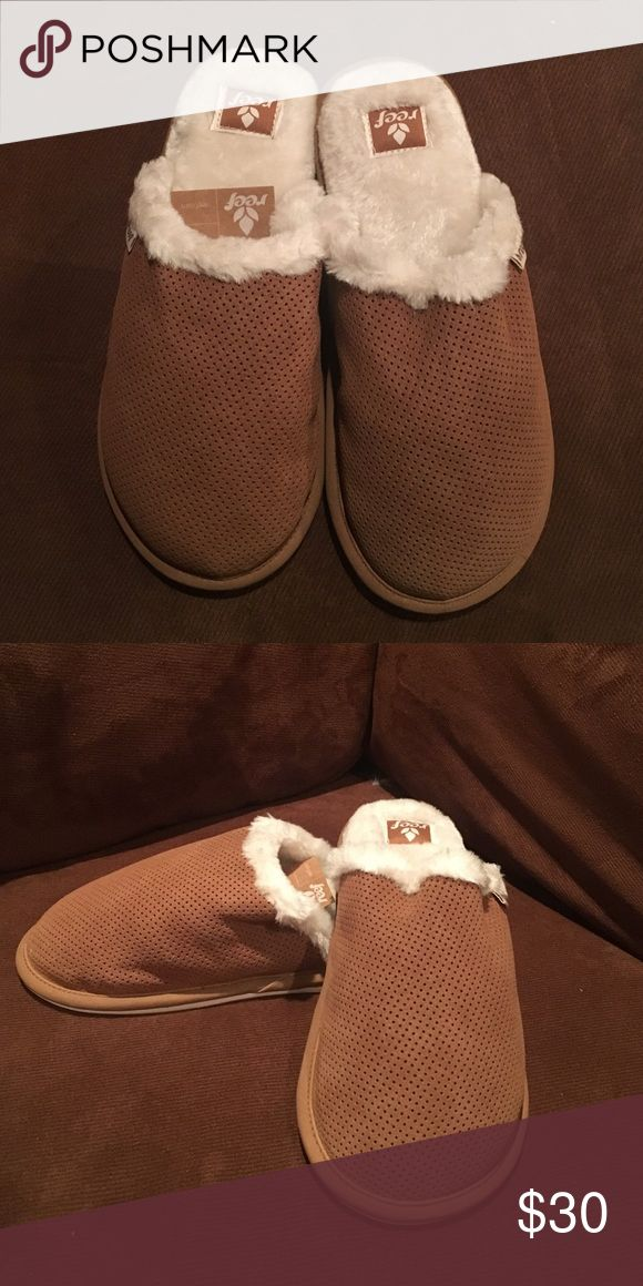 Reef slippers Never been worn, cozy brown slippers. Perfect for the cold weather and perfect for gifts! ☺️ size small fits a women's size 5 Reef Shoes Slippers