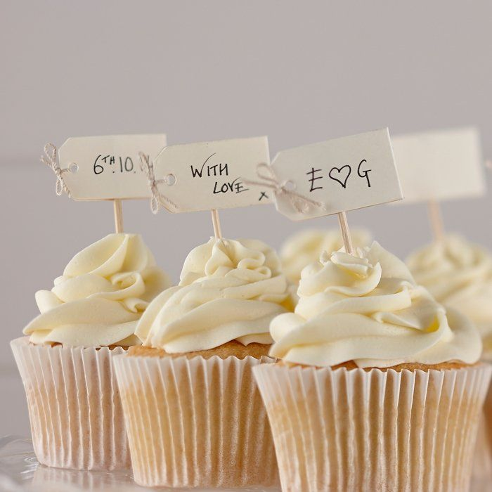 Vintage cupcake prikkers blanco