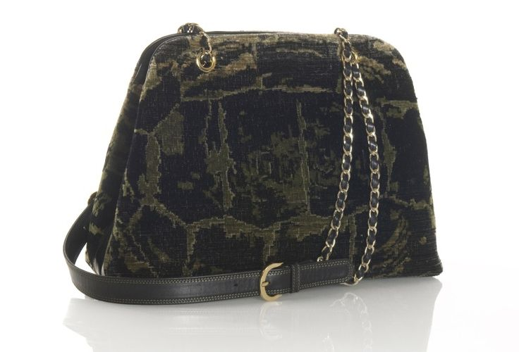 "BISSONA bag made of silk handmade ""Tartaruga"" velvet. Leather and metal shoulder strap with pockets inside. Design and concept @ Chiara Pizzinato Atelier"