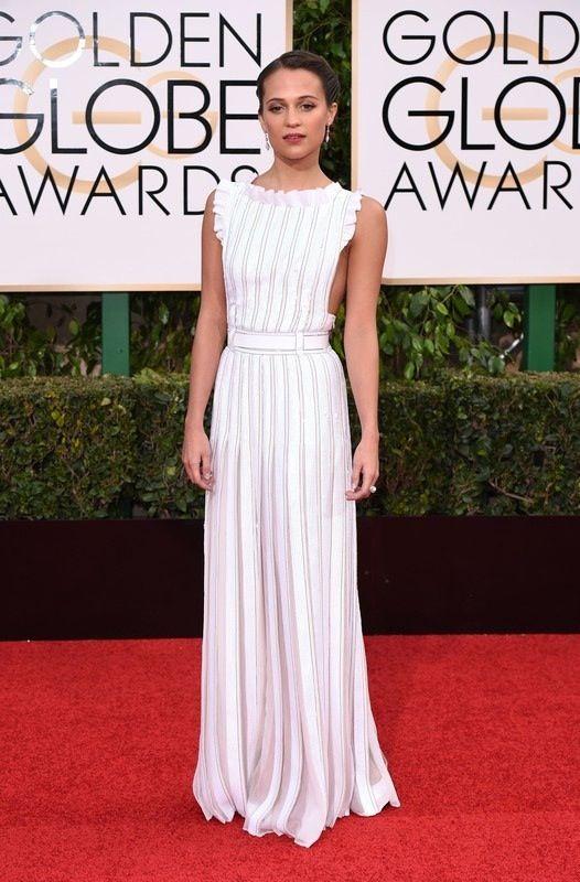 Złote Globy 2016: Alicia Vikander w sukni Louis Vuitton, fot. East News