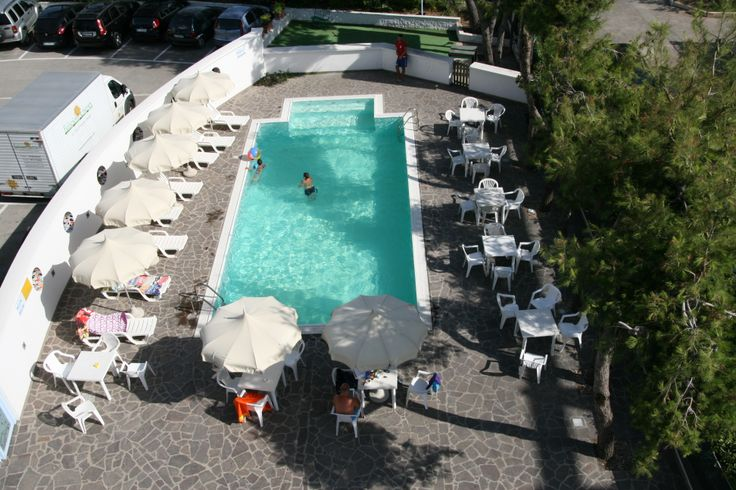 La piscina del nostro hotel a Montesilvano