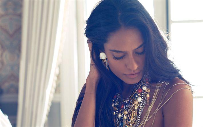 Télécharger fonds d'écran Lisa Haydon, l'actrice Indienne, 4k, mannequin, la belle Indienne bijoux, le maquillage, la brune, Bollywood, de belles femmes, les femmes Indiennes