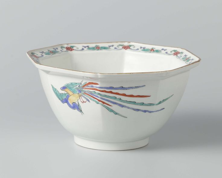 Octagonal bowl with prunus and hôô, Anonymous, c. 1670 - c. 1690