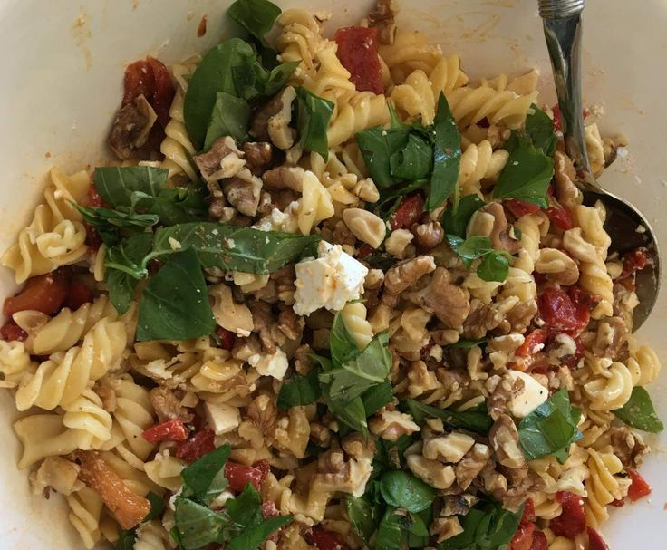 Recipe Cheats Capsicum, Feta and Walnut Pasta Salad by Leanne Sloss - Recipe of category Side dishes