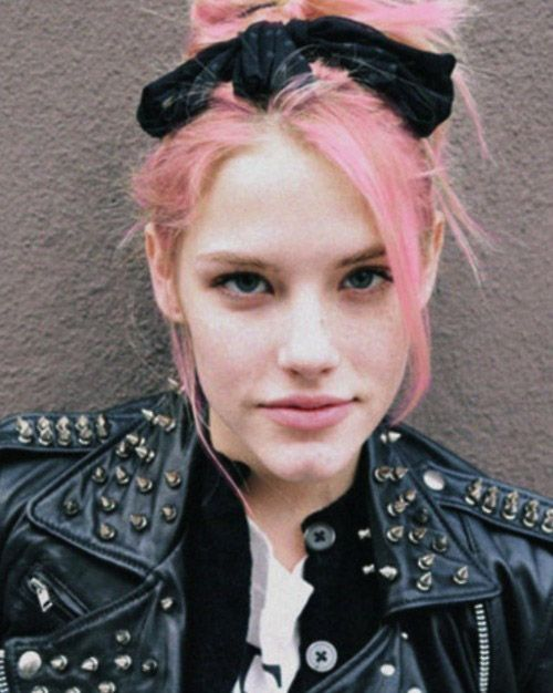 studded leather jacket, dat bow  oh, and of course the pink hair, blue eyes, and freckles...: 80S Rocks, Punk Fashion, Fashion Style, Pink Hair, Punk Rocks, Pastel Pink, 80S Rockers Chick, Rocks Chick, Ashley Smith