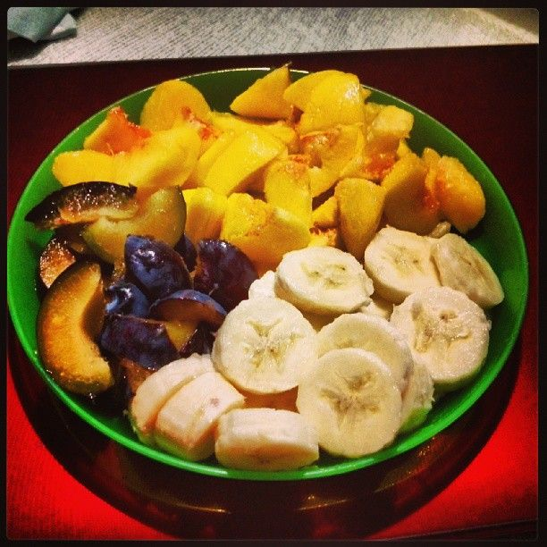 Let's eat healthy :) #healthyfood #pear #banana #plum #fruit #healthy