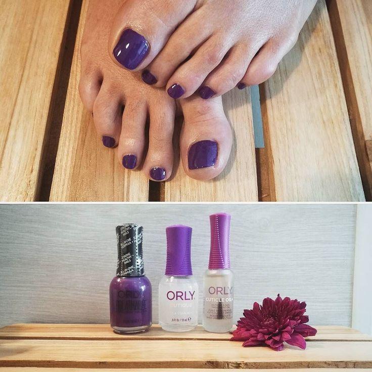 Pedicura orgánica con ORLY BREATHABLE! Color  tratamiento todo en uno. Luce tus uñas más sanas y fuertes después de usar nuestra fórmula BREATHLESS. #pedicura #pedicuraorly #pedicuravegana #manicura #manicuraorly #orly #orlybreathable #organico #natural #tratamientouñas #bcn #barcelona #nail #nailsalon #nailsalonbarcelona #beauty #purple #lila #morado #cuticleoil #aceitedecuticula #lifestyle #beautiful #beautifulnails #wednesday #healty #manicuravegana #vegano