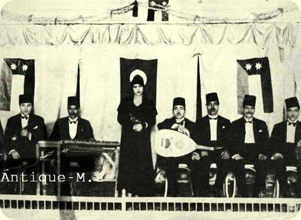 ام كلثوم فى بغداد 19 نوفمبر 1932 وبعدها ب14 عام عادت لتحيى حفلة عيد ميلاد االملك فيصل الثانى فى 2 مايو
