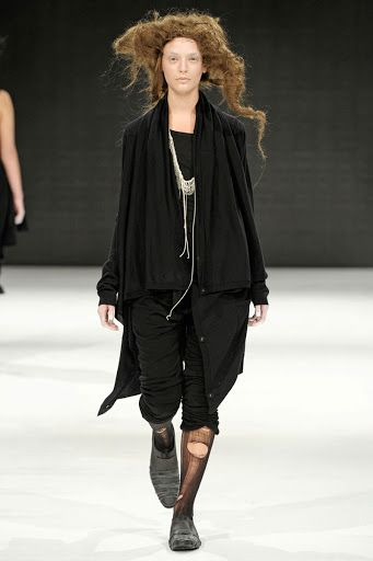 Cool Chic Style Fashion: BARBARA Í GONGINI FALL 2010 WOMEN'S COLLECTION Copenhagen Fashion Week https://www.facebook.com/3dfirstaidvisualarchitecture/
