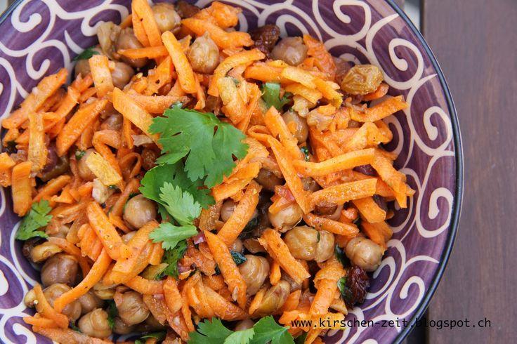 Kirschenzeit: Möhrensalat mit gerösteten Kichererbsen