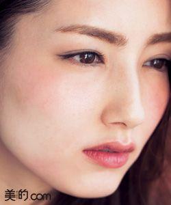 メークでできる !「なりたい私」〜色っぽ系〜   美的.com 〝他人目線でさらに効果を発揮する血色とツヤの色気〟