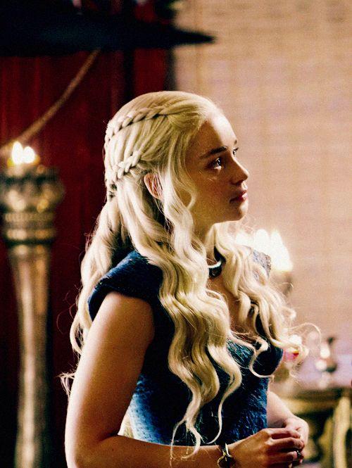 Khaleesi - that hair!! <3_<3