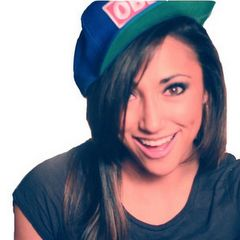 Amazing Singer!!! Listen to her on youtube:AlexGMusic7  She's really great!!! :)