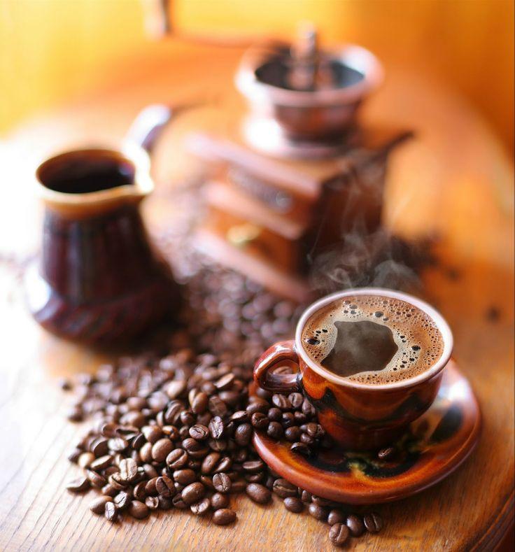 9 fotografías de café en grano en diversas presentaciones | Banco de Imagenes