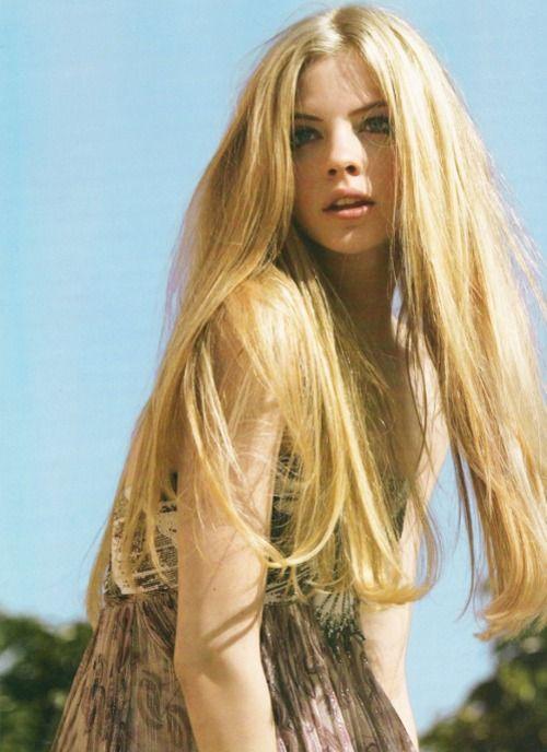 Long long long hair: Blondes Hair, Long Hairstyles, Long Blondes, Longhair, Hair Style, Long Long Hair, Hair Follicles, Pretty Hair, Hair Color